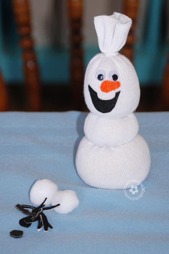 Как сделать белых снеговиков