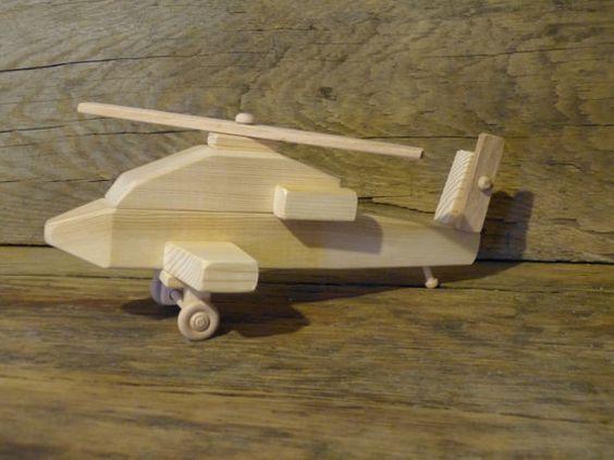 вертолет из дерева