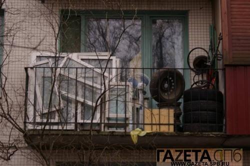 Почему люди заваливают балконы хламом?.