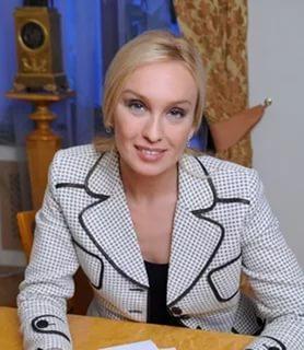 повернул Биография адвоката романовой издавна строил