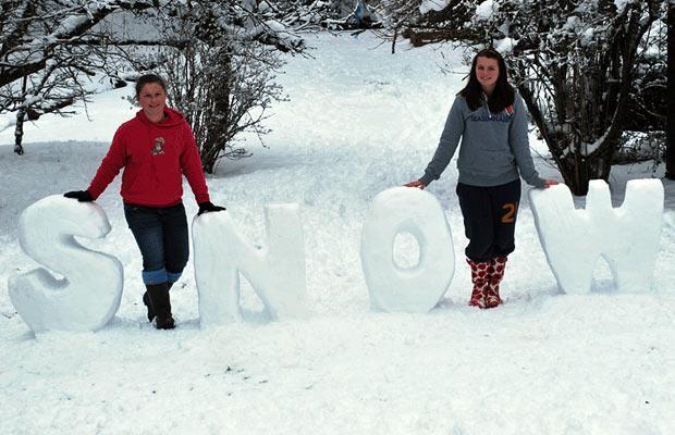 буквы из снега