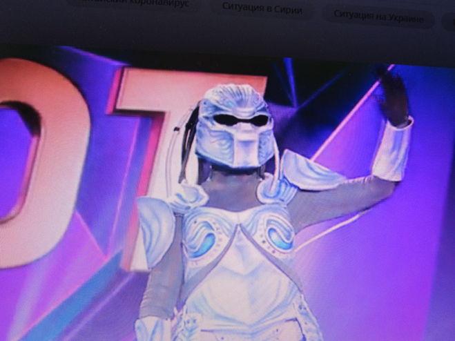 шоу маска робот
