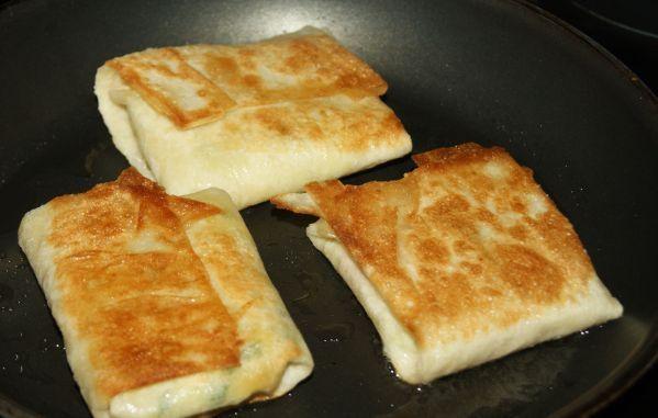 Быстрые пирожки из лаваша на сковороде