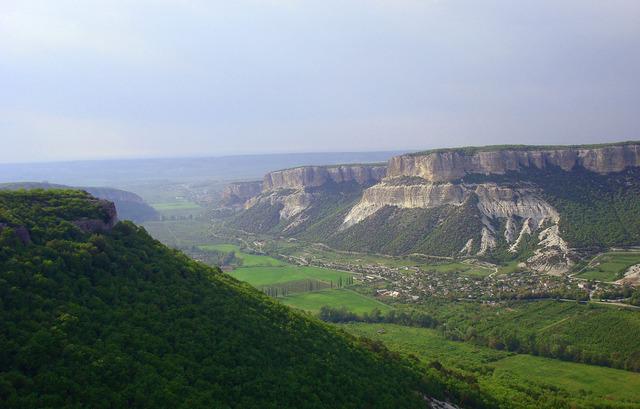 Столовые горы в Крыму
