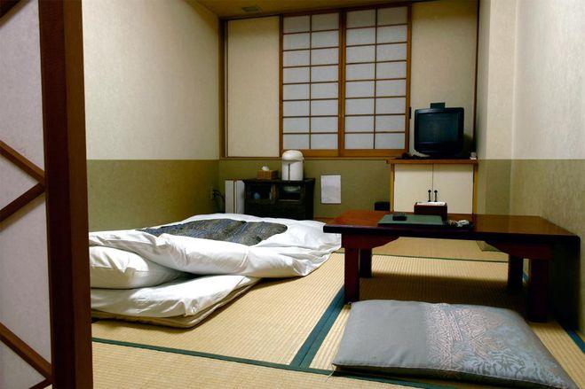 Комната бюджетного японского отеля