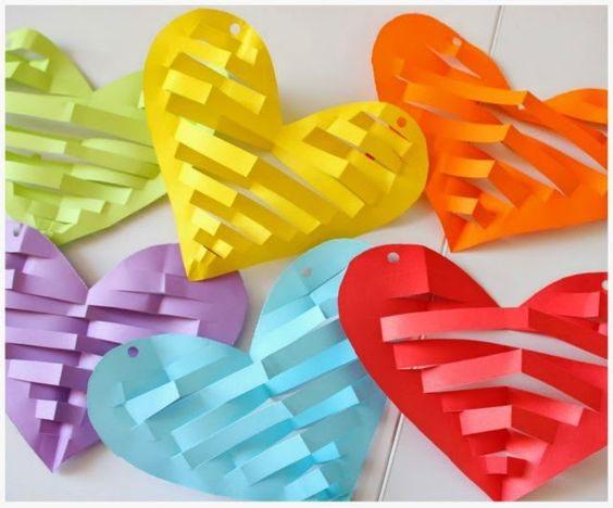 поделка сердце своими руками на день Святого Валентина из бумаги