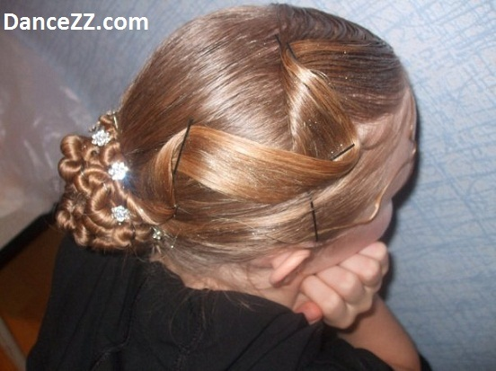 Как сделать прическу девочке на бальные танцы
