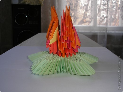 Как сделать гофро-квиллинг, из картона Вечный огонь на 9 мая, 23 февраля?