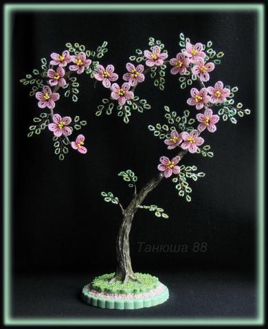 Деревья-сердца из бисера своими руками