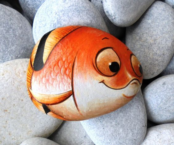 поделка раскрашивание камней рыбка
