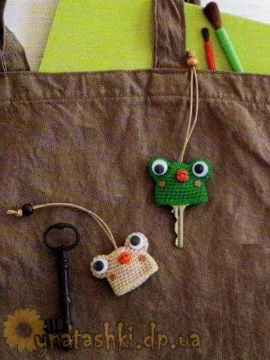 Вязанные брелки на ключи