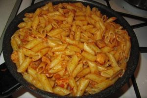 готовим макароны на сковороде