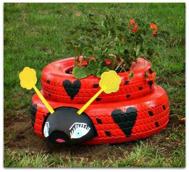 Клумба из колес фото