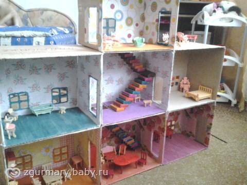 Как сделать кукольный домик из коробки своими руками легко