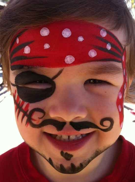 маленькие красные пятнышки на теле у ребенка фото