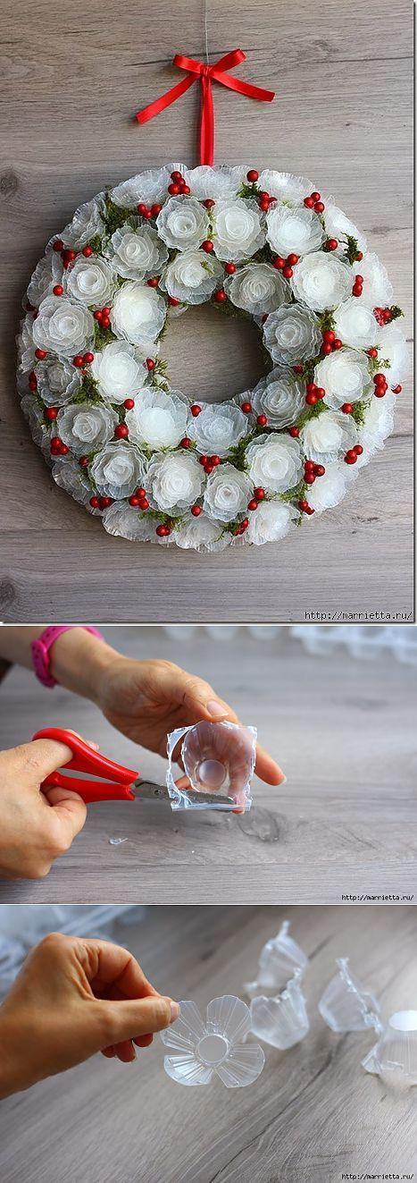 Как сделать венок с розами. Как сделать венок из подручных материалов. Как сделать пасхальный венок. Как сделать венок из яичных лотков