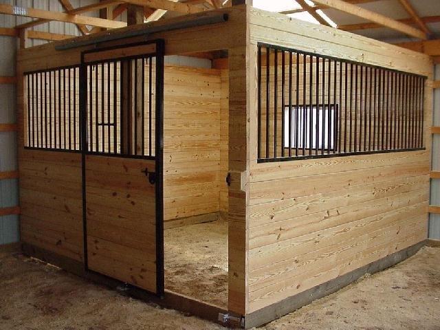 Как построить конюшню для одной лошади своими руками