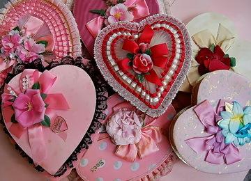 Красшиние сердечка ил ткани на 14 февраля
