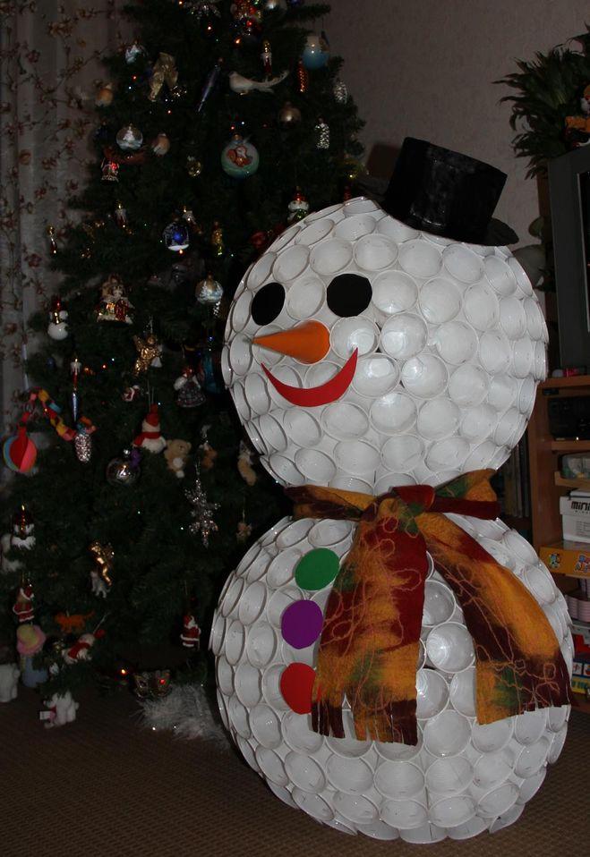 Как сделать большого снеговика своими руками из
