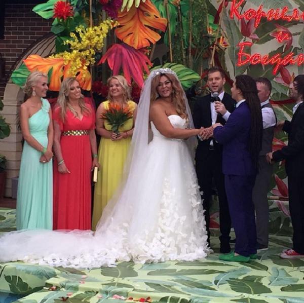 Корнелия манго свадьба с кем