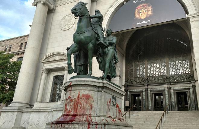 Памятник бывшему президенту США Теодору Рузвельту демонтируют