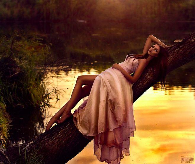 Фото в платьях на природе