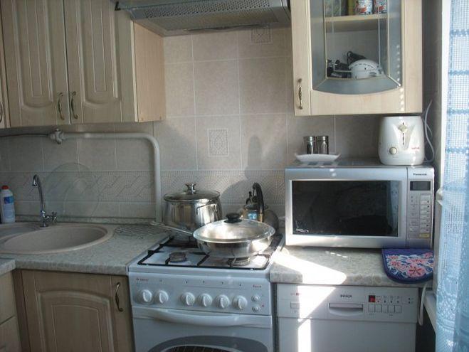 Интерьер кухни 6 кв м с газовой колонкой