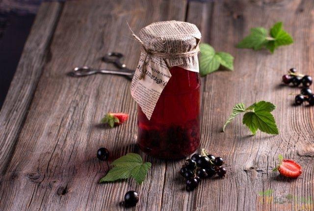 С какими ягодами сочетается черная смородина в компоте и варенье