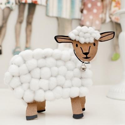 Как сделать новогоднее украшение в виде козы или овцы?