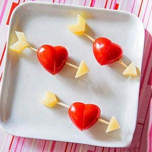 сердечко-валентинка с помидорчиками