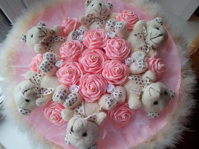 Букеты из розы из гофрированной бумаги своими