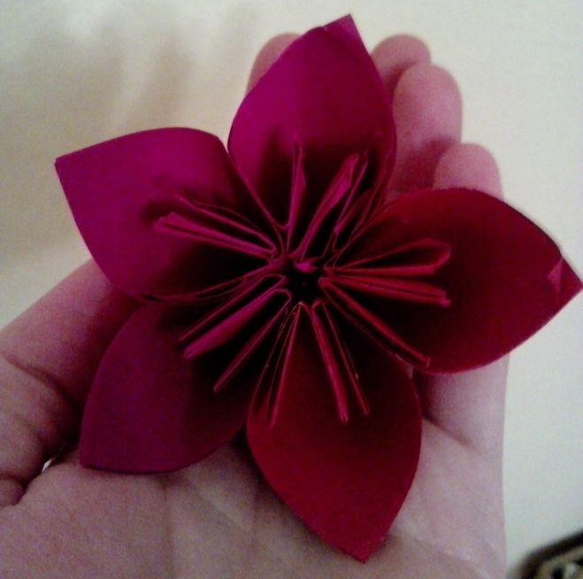 Как сделать букет из цветов из бумаги