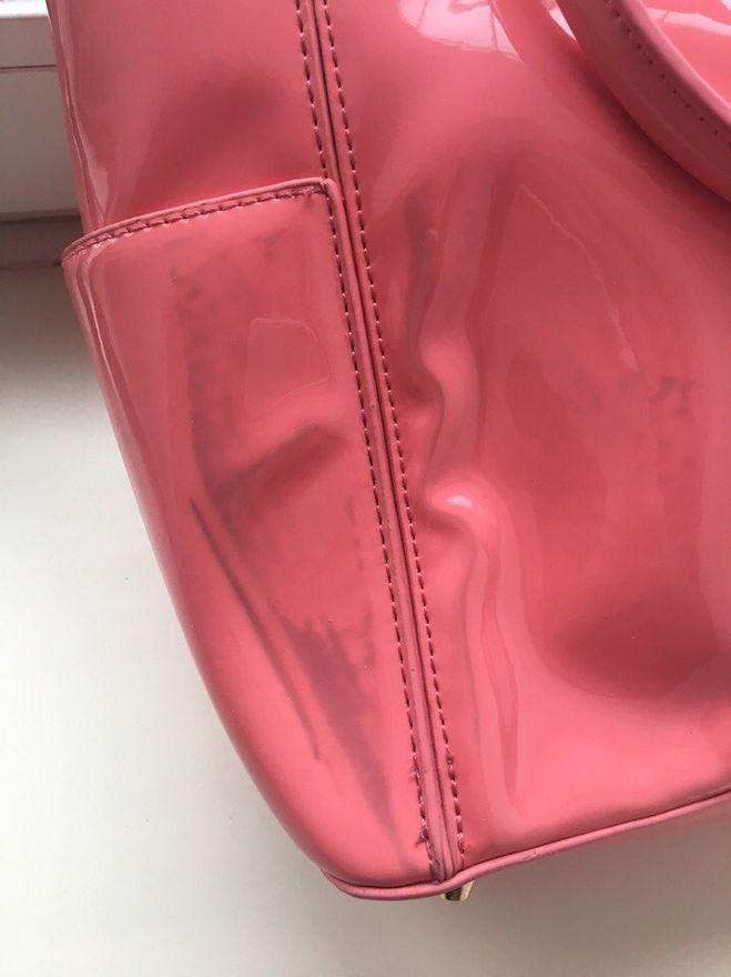 Чем очистить пятно на светлой сумке фото