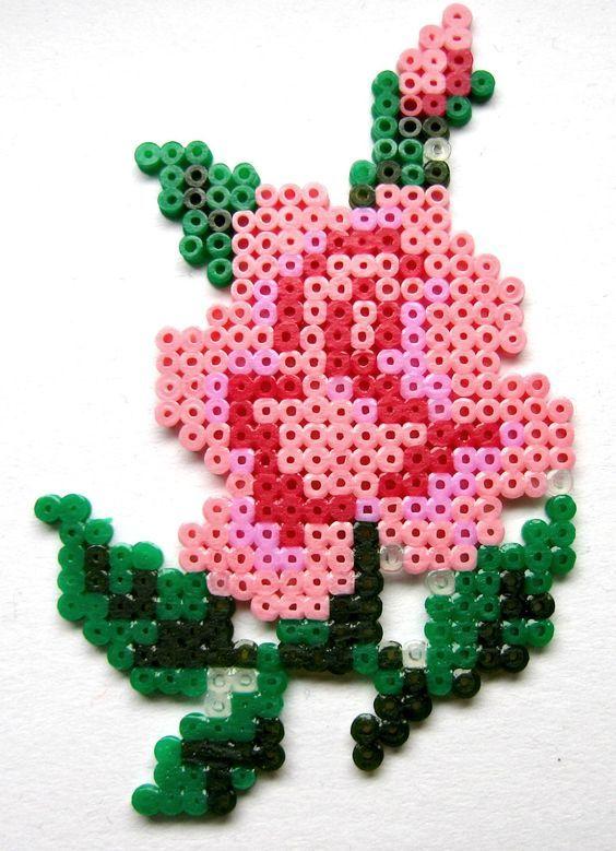 роза из термомозаики
