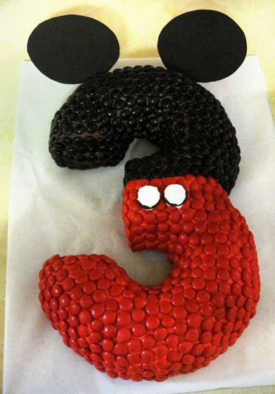 Микки-Маус и Минни-Маус из выпечки