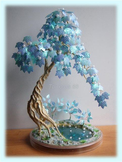 Дерев из бисера и пайеток
