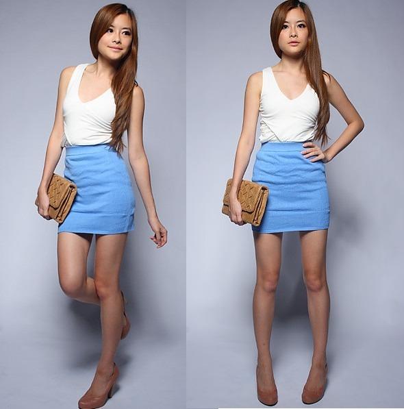 голубая юбка с белой кофтой