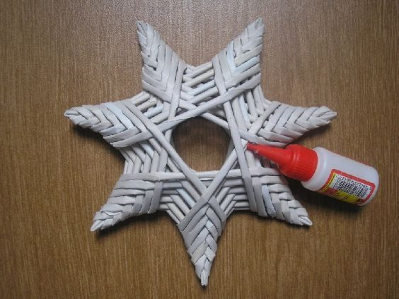 звезда из газетных трубочек своими руками