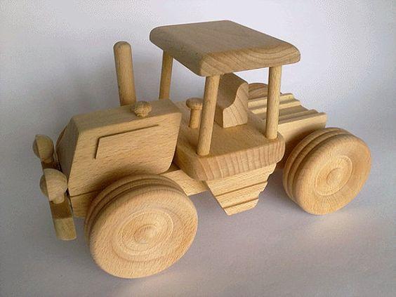 Как сделать своими руками поделку, игрушку из дерева трактор?