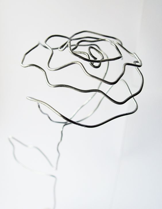 роза из проволоки своими руками