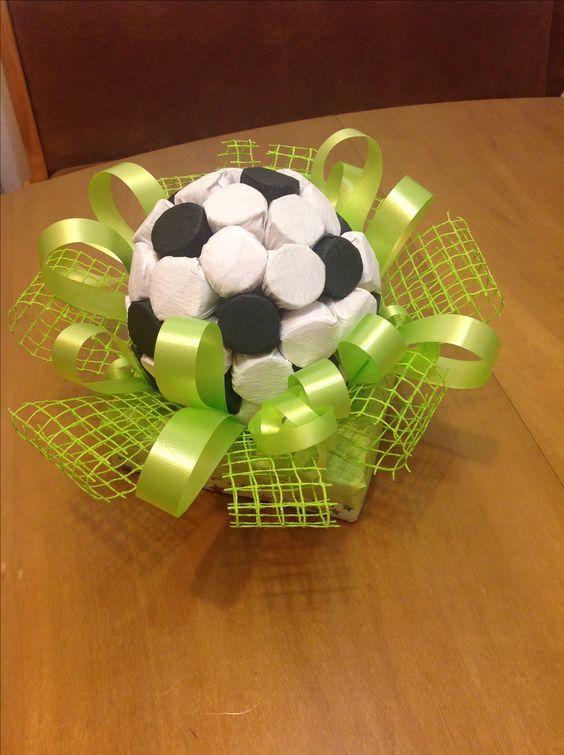 Как сделать мяч из конфет фото 426