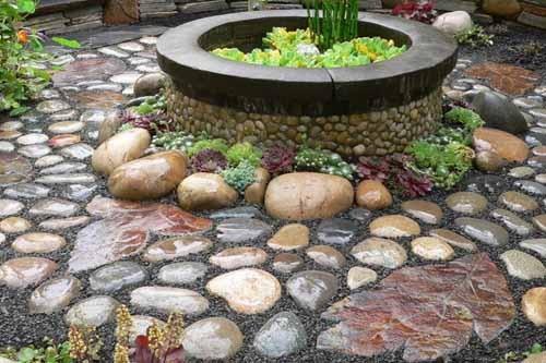 Как сделать на даче дорожку из камней