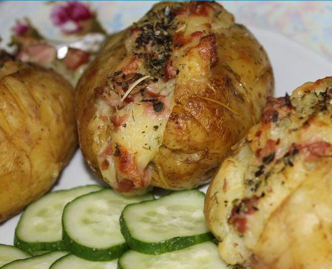 С чем можно запечь картошку в духовке рецепт