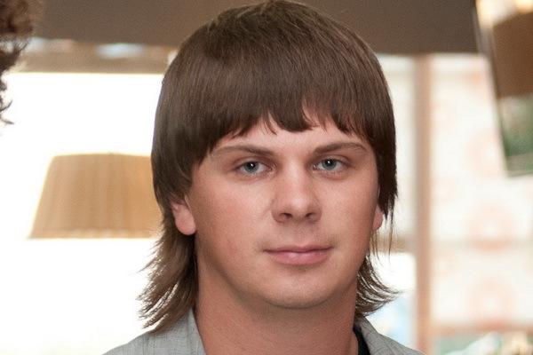 """Дмитрий Комаров """" Мир наизнанку"""" . Сколько лет, какой рост, биография, личная жизнь, соцсети,семья?"""