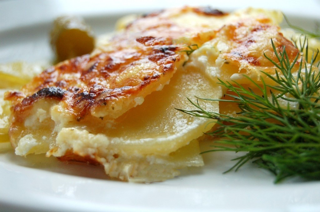Картошка с сметаной и сыром в духовке рецепт с пошагово