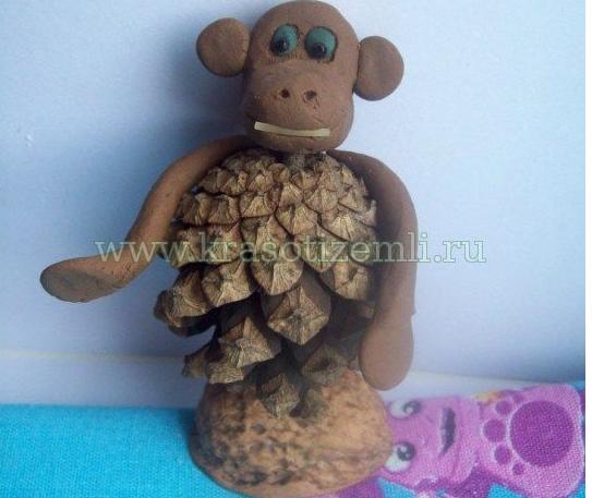 Как сделать своими поделку обезьяну