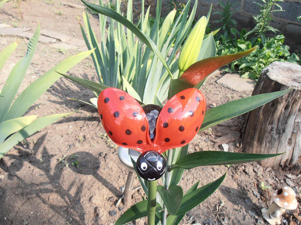 Сделать бабочки из подручных материалов