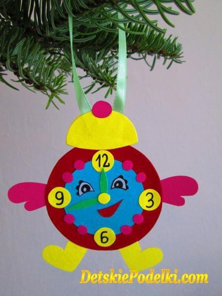 Игрушки на елку в детском саду