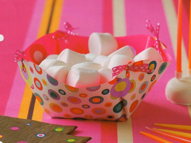 Как сделать вазу для конфет из бумаги своими руками поэтапно фото