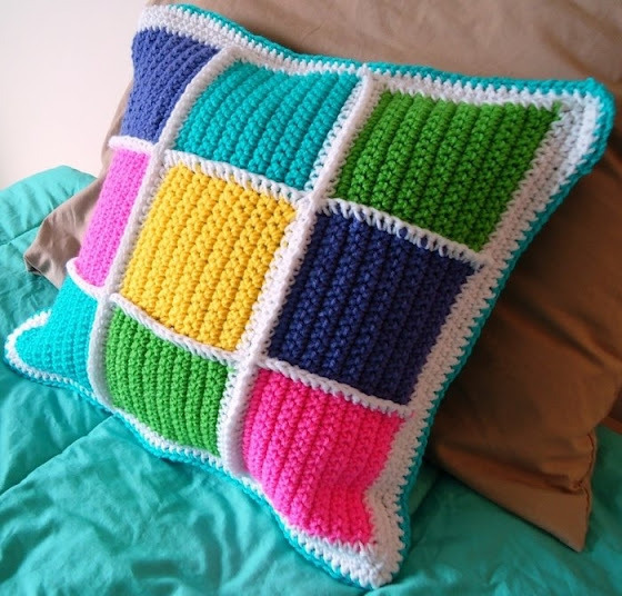 Как связать красивую подушку